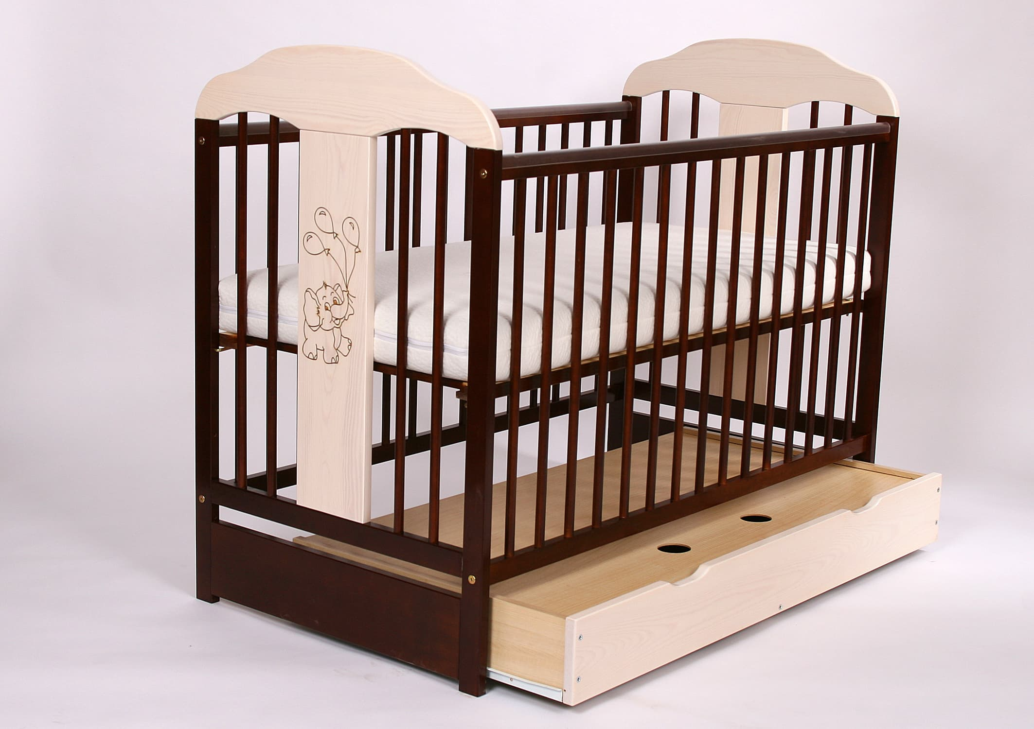 Детска дървена кошара Слонче 60х120 с чекмедже