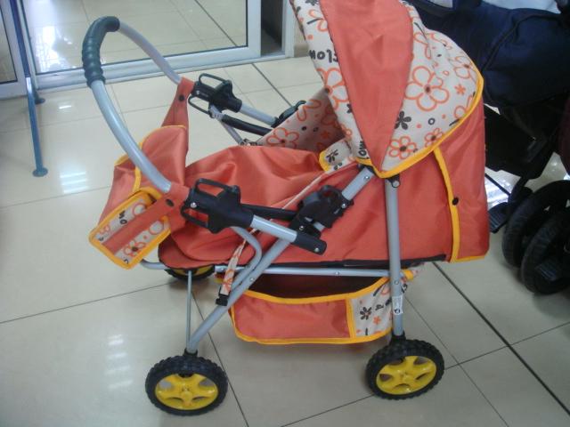 Детска количка за кукли А4 - Цвят: кафяво/цветя