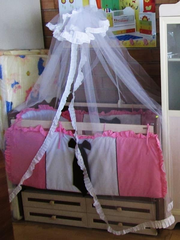 Балдахин за детско легло